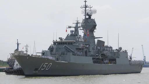 差别太大?中共海军在南海与澳3艘军舰对峙 对美军却是如此