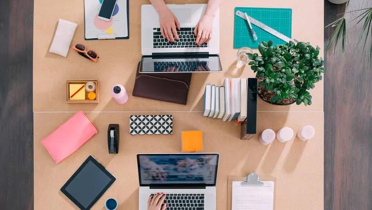 看膩了你的辦公桌嗎?5 個簡單的方法 讓你愛上你的工作空間