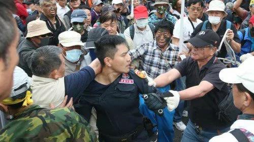 台湾军改案爆激烈冲突 一次看懂始末