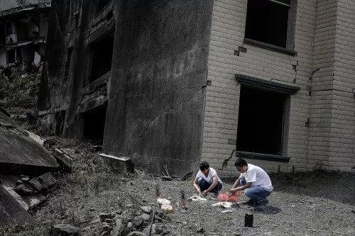 汶川地震后 媒体和政府是如何过招的