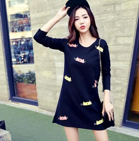 簡約連衣裙穿出的時尚感,這樣穿搭絕對不會錯!