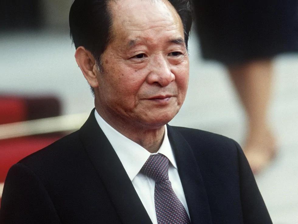 胡耀邦倒台導火索:接受陸鏗採訪的「不當言論」 (圖)