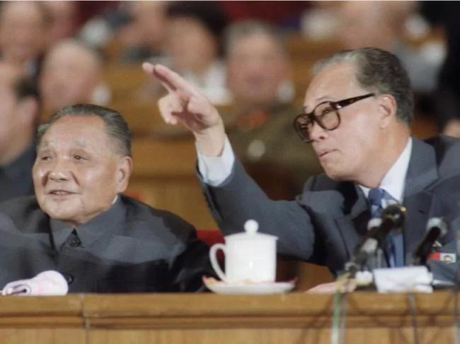 鲍彤爆六四黑幕:邓小平谋划的政变