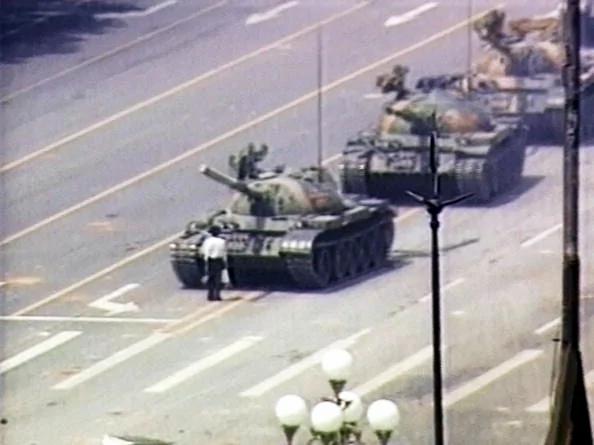 微自由:如果镇压六四伟光正 咋不让人纪念胜利?