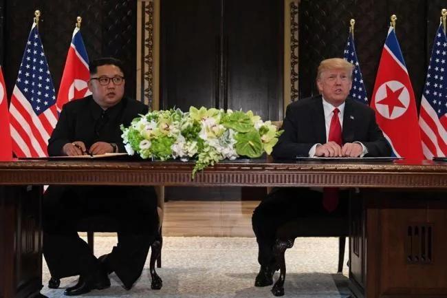 川普與金正恩簽署聯合公報 邀金正恩訪美 金正恩這一行為絕了