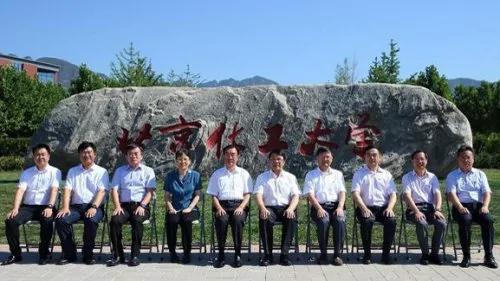 传儿子被抓贺国强突然露面 习近平掀翻7名上将 这12人高危